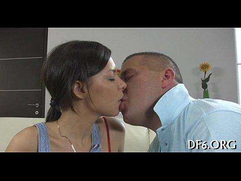 Смотреть онлайн порно трахнул чужую жену на глазах у мужа, смотреть порно барда