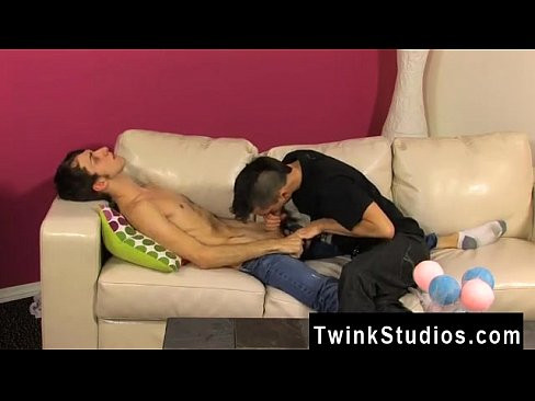 Twink movie Colby London has a sausage fetish and he'_s not afraid to's Thumb