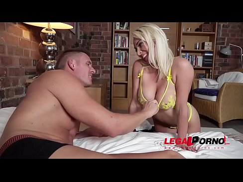 Blonde Bikini Babe Victoria Summers Blows Dick &amp_ Gets Shaved Pussy Banged GP088