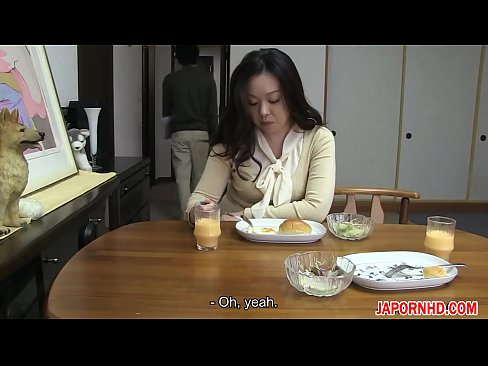 Nonton video sex JAV Uncensored with english subtitle Mom gives son blowjob before leaving