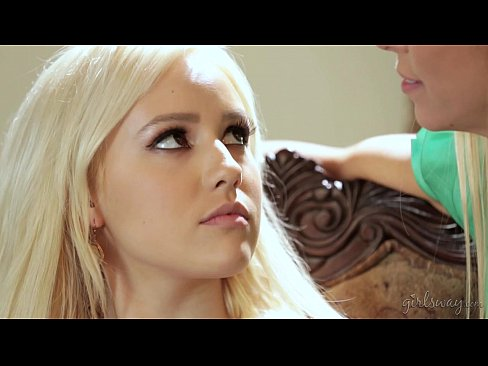Do You Touch All Your Clients Like This? – Alexis Fawx, Kylie Page