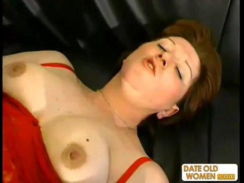 Hot naked amateur milf