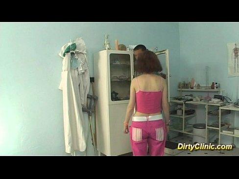 Девушка у гинеколога кончается