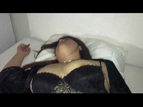 amateur video mom sleeps naked