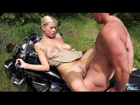 Xvideo outdoor blonde huge tits