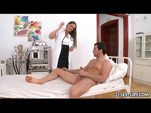 Female doctor fuck and anal with male patient