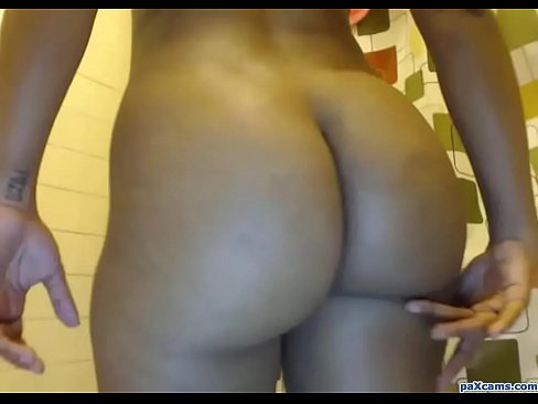 Ebony Babe Shows Her Ass and Spreads Pussy on Cam XXX Sex Videos