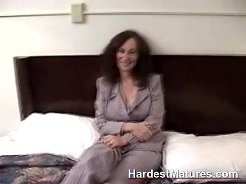 Amateur mature blow jobs