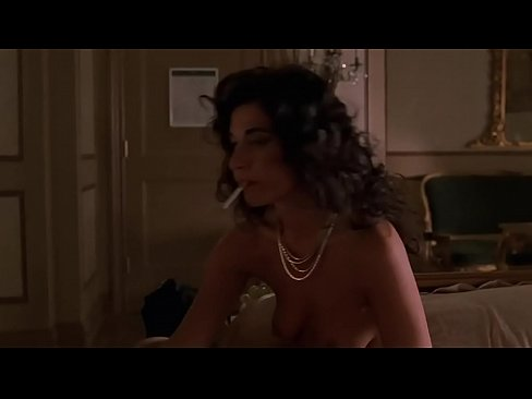 Alida Tarallo Showing Her Tits in The Sopranos S02E04's Thumb