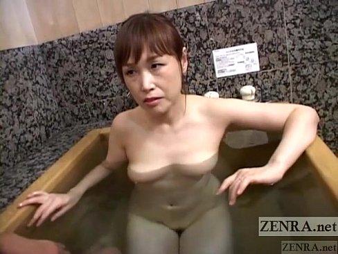 bathing xxx free movie bathing xxx porny images