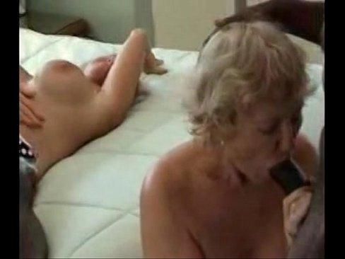 Старушку ебут в рот порно #15