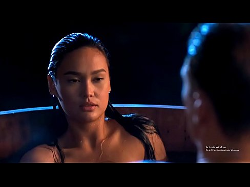 Tia carrere nude boobs