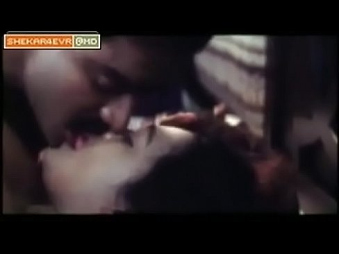 Shakeela hot lip kiss