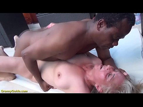 Kendra wilkinson nude blow job