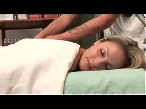 Sexy massage leads to wet panties