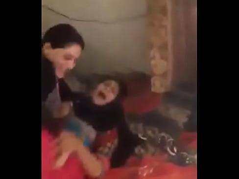 DirtDesi ladki apni bhabhi ko jor se chotde hue (sexwap24.com)'s Thumb