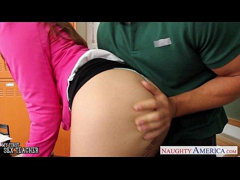 Busty wife Rilynn Rae take cock