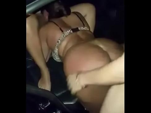 foda no carro suruba