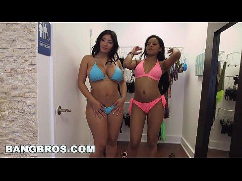 BANGBROS - Aaliyah Grey and Selena Adams Fuck Around with Sean Lawless (bkb14385
