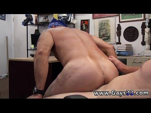 Hunk blows straighty
