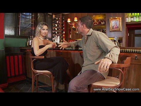 Порно в ресторане смотреть ннлайн