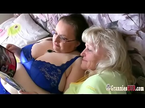 Eating wrinkled old granny pussy