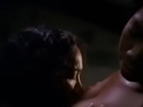 the wire lesbian sex scene