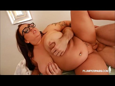 Sexy big tit plumpers