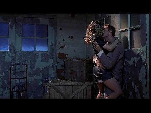 Jennifer jason leigh sex scene