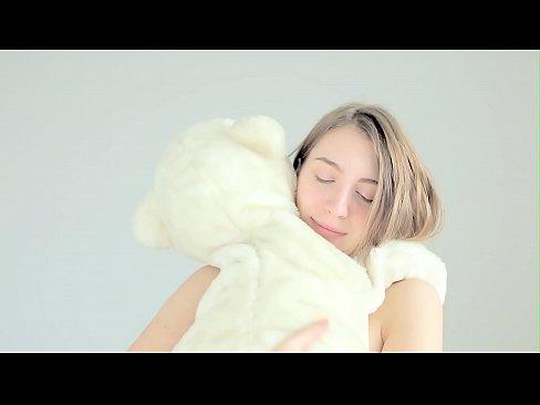 Hot naked blonde cuddling her teddy bearXXX Sex Videos 3gp