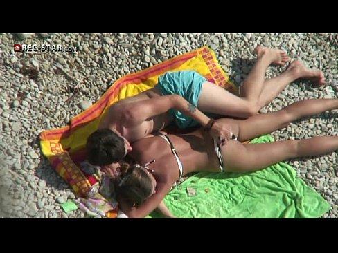 Порно онлайн ролики с тетей на пляже