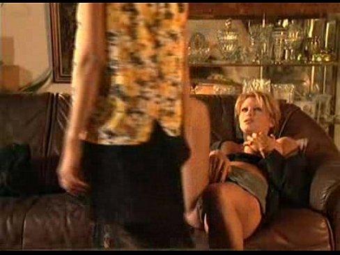Nonton video bokep Italian lesbian scene