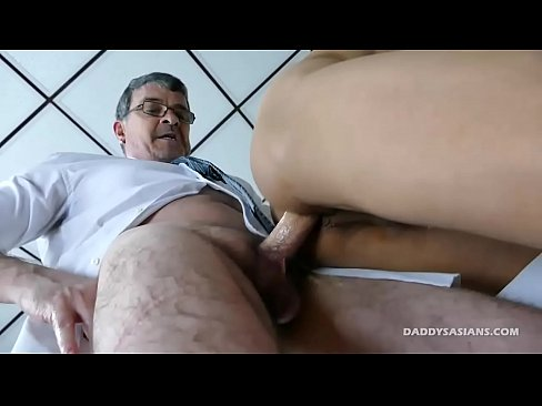 Old amateur guys jerking themselves off