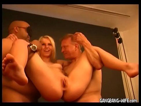 Anal introductions orgy in the restaurant_pic16270