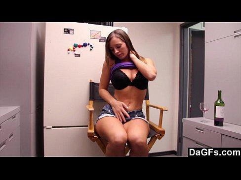 Порно ролики маструбирует смотреть онлайн