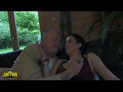 two brunettes make good blowjobs to an old man and a young big cock
