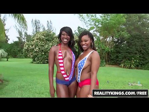 RealityKings – Round and Brown – (Nina Rotti, Skyler Nicole) – Sweet Spread