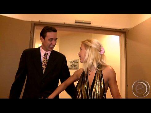 Filme Porno Cu Blonda Nesatula De Pula