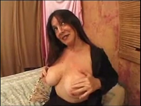 Women showing big swinging and bouncing titties