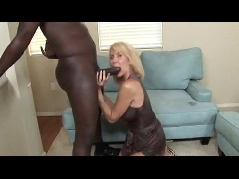 amateur lauren sucking cock