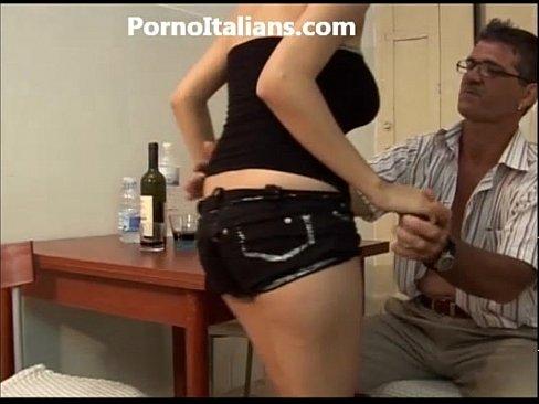 Teen italian tits job  -ragazza italiana fa spagnola allo zio  - INCESTO ITALIA