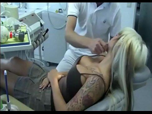 Порно видео в кабинете стамотолога
