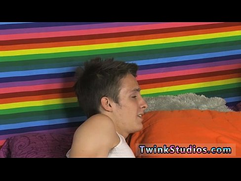 Outdoor hot deep throat blowjob served by twink