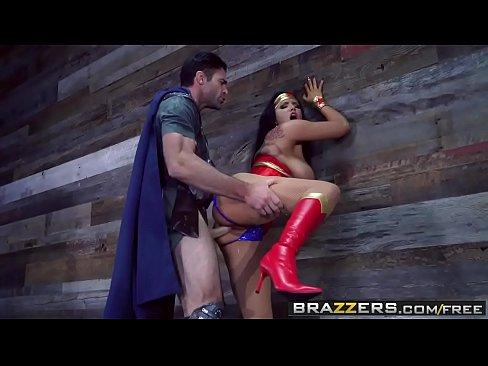 Brazzers – Brazzers Exxtra – Romi Rain and Charles Dera – Wonder Woman A XXX Parody