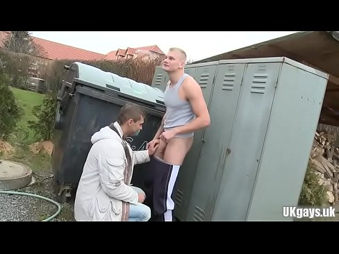 Humongous penis daddy public sex with facial