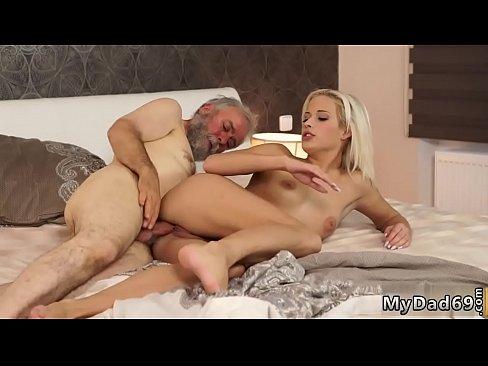 Hot Blonde Mom Creampie