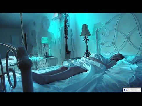 Aliens taste human pussy – Samantha Hayes, Scarlett Sage and Carolina Sweets