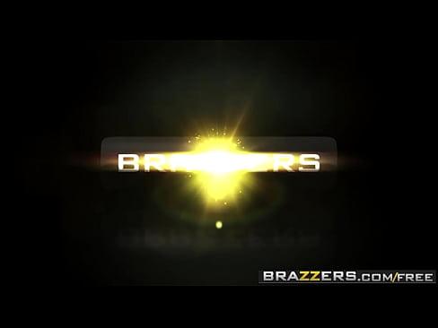 Brazzers – Big Butts Like It Big – (Kiki Minaj) – Hankering For A Spanking
