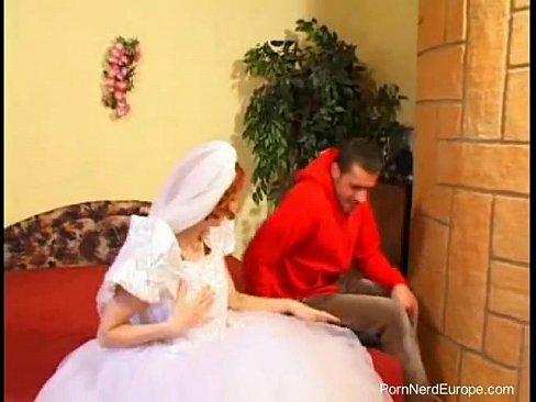 zhenih-trahaet-nevestu-pered-svadboy-smotret-onlayn-fotki-porno-molodie