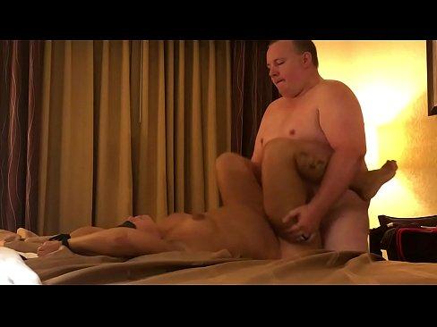 Amateur Milf Screaming Orgasm